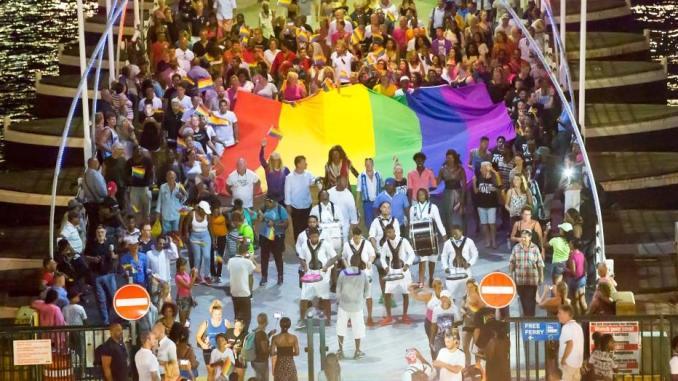 curaçao Agenda de uma das maiores paradas gay do Caribe conta diversas atividades, passeios náuticos, eventos ao ar livre como a Pride Walk e a White Party, além de visitas a parques nacionais