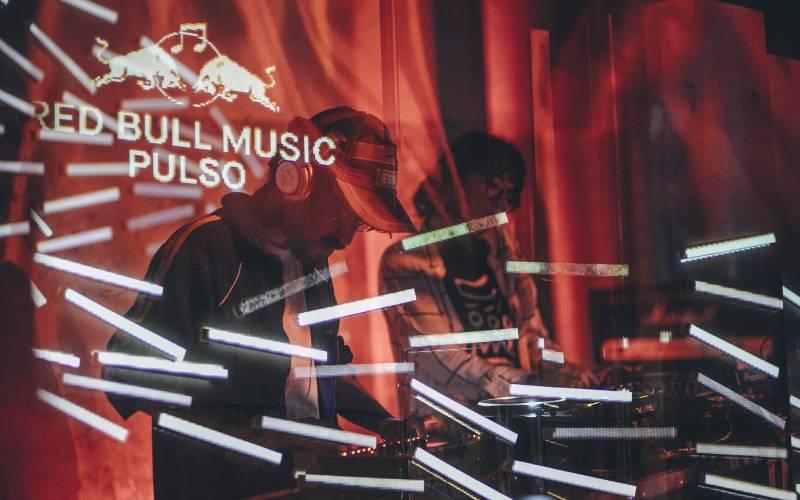 Evento, que ocorre no Red Bull Station, também abriga painéis e workshops gratuitos com músicos e especialistas do mercado