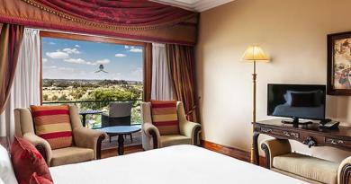 Conheça as suítes luxuosas do Convento do Espinheiro Historic Hotel & SPA em Portugal
