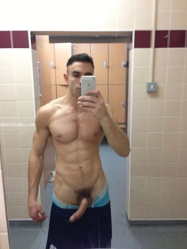 pictures of selfies of good looking guys, men and dudes and sexy man handsome gods god hot guy taking a sexy selfie