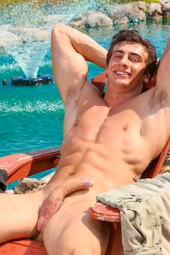 Muscled Uncut Nude Dude (9)
