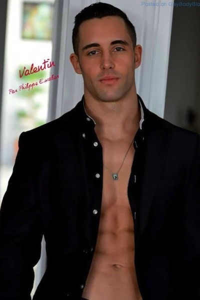 Handsome And Beefy Valentin (1)
