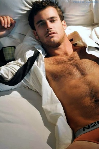 Is Lance Parker The Perfect Hunk (9)