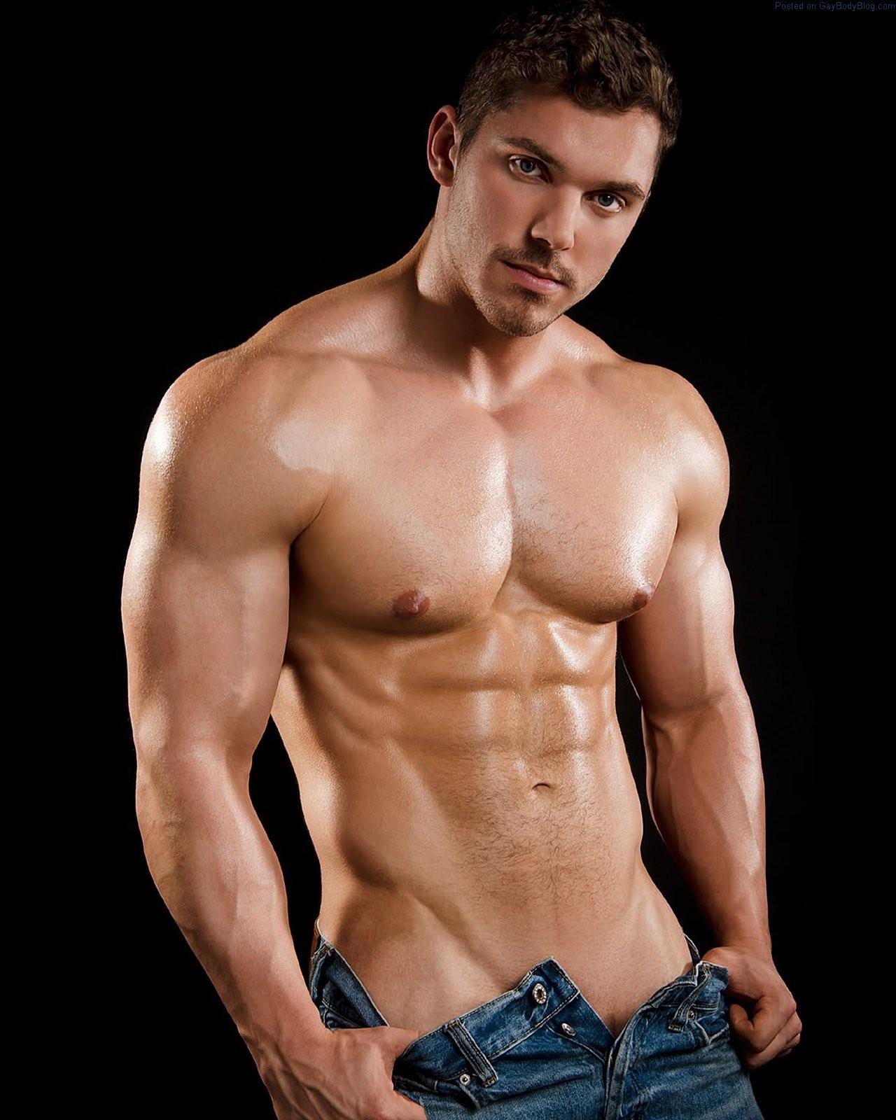 Muscled Gay Jocks Enjoy Each Others Dick