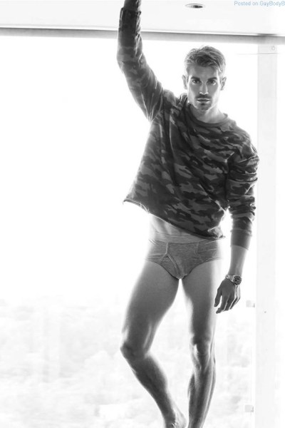 Lucas Bloms standing in just his underwear for the Riker Brothers