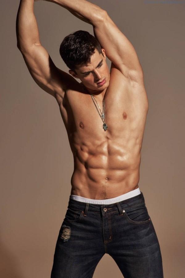 shirtless Pietro Boselli