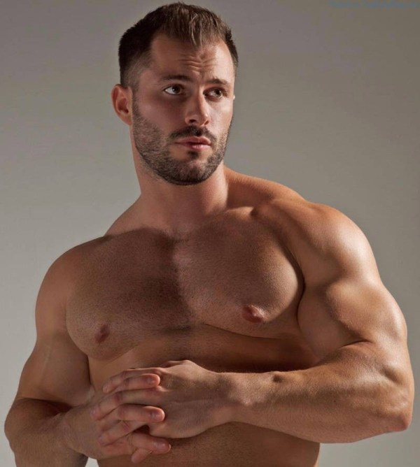 handsome muscle man Quin Bruce