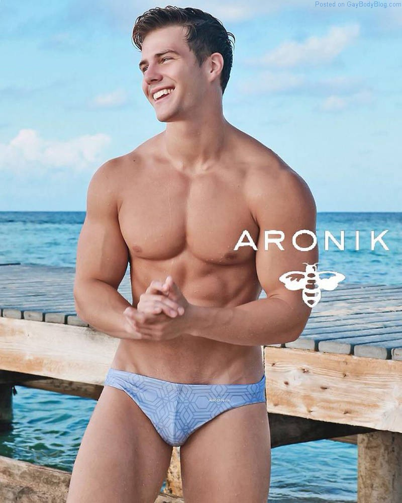 A Day At The Beach With The Boys From Aronik