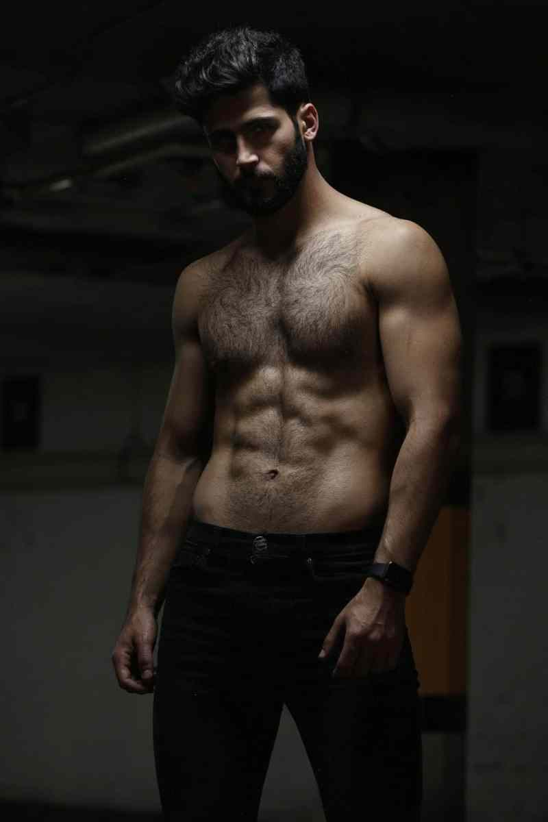 Time For Some Hairy Hotness With Jose Kuthy