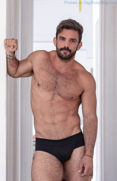 Muscle Daddy Hotness With Leo Sabato