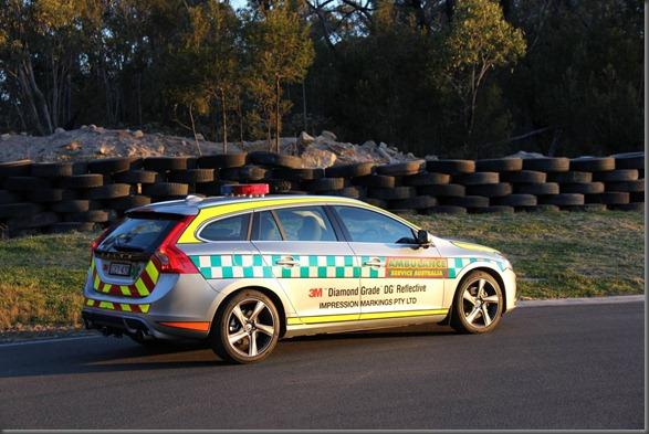 Volvo S60 R design safety car (3)