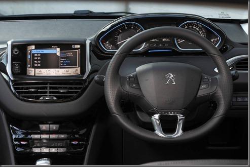 Peugeot 208 (7)