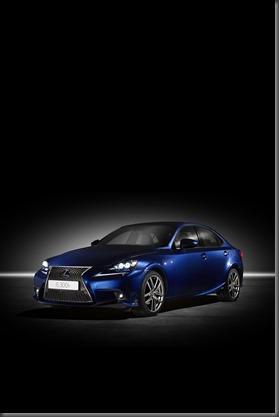 Lexus IS 300h (8)