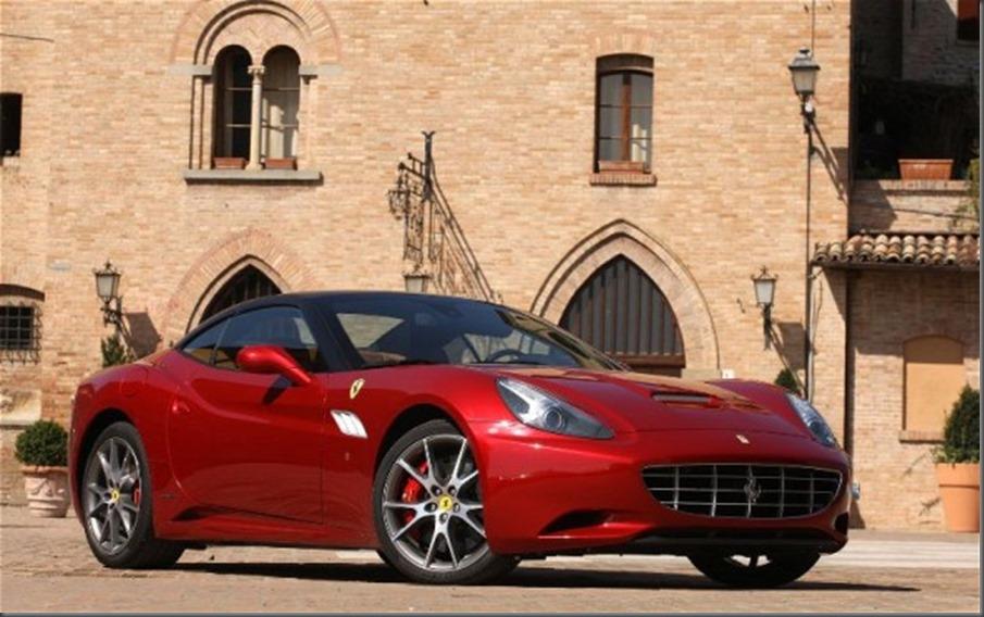 2013-Ferrari-California-Front-Three-Quarter-590x369