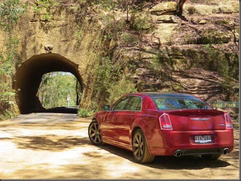 chrysler 300 srt trip to qombeyan caves (10)