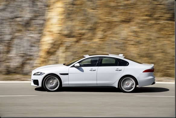 18MY-Jaguar-XF-V6S
