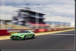Mercedes-AMG-GTR-sets-new-production-car-lap-record-at-Mount-Panorama (1)