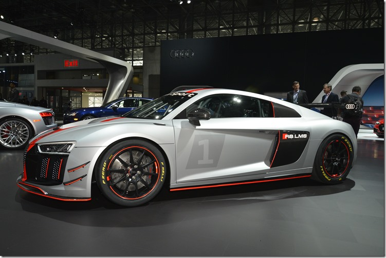 Audi -R8- GT4