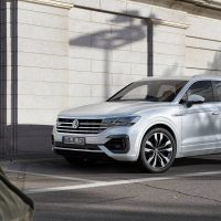 V8 VW Touareg Arrives with New Engines and Technology