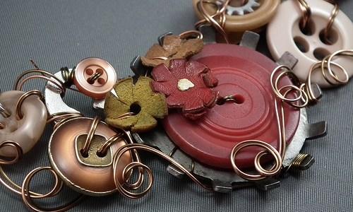 Vintage-y Goodness! Skeleton Keys & Buttons :)