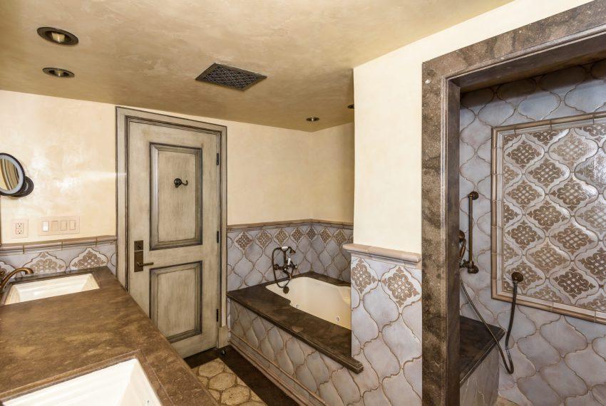 Master Bathroom-10