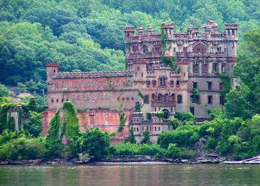 bannerman island, hudson valley, travel, tourism, ny state