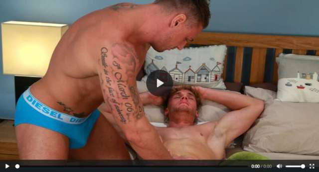 Straight muscle man jerking off another straight muscle man on video for the Englishlads gay porn site