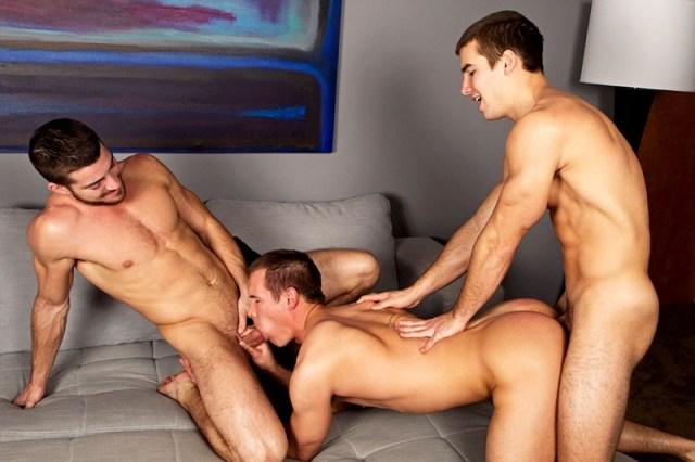 Straight jock Stu in a bareback gay threesome at Sean Cody