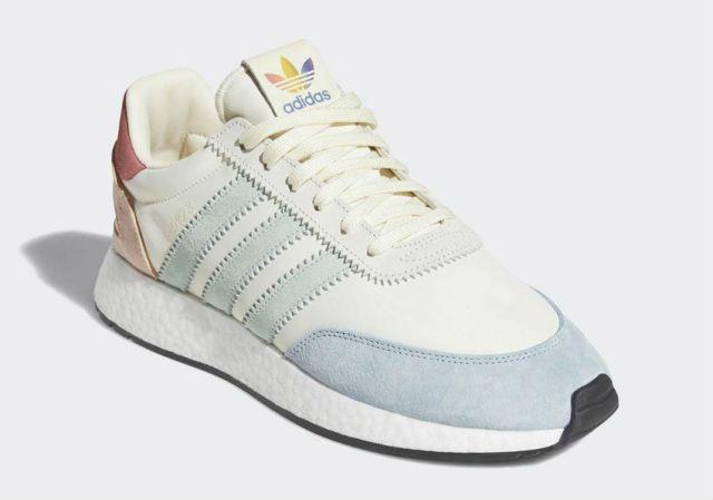 adidas i5932 Pride sneaker