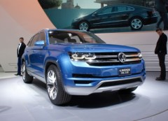 Volkswagen CrossBlue Concept at the 2013 Detroit Auto Show (photo by Sam Miller-Christiansen)