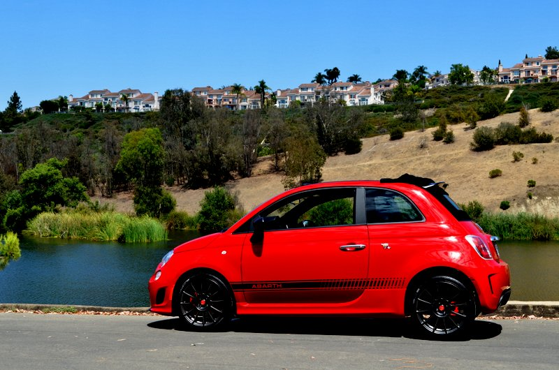 the 2014 fiat 500 abarth convertible mixes hot hatch. Black Bedroom Furniture Sets. Home Design Ideas