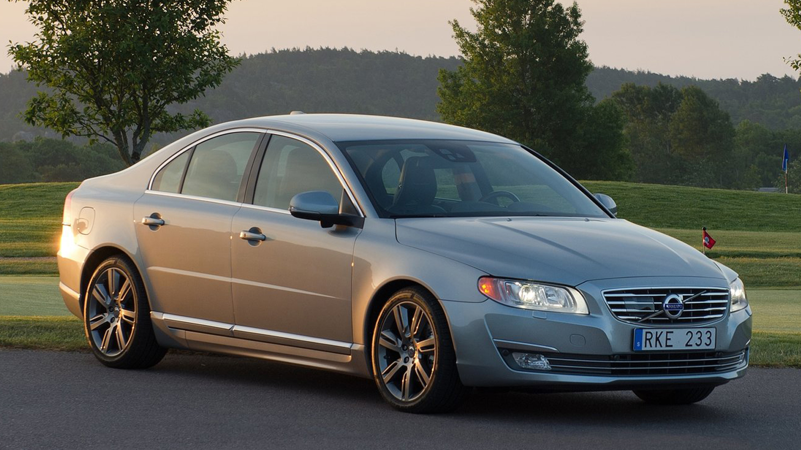 2014 volvo s80 makes you wanna change your mustard gaywheels. Black Bedroom Furniture Sets. Home Design Ideas