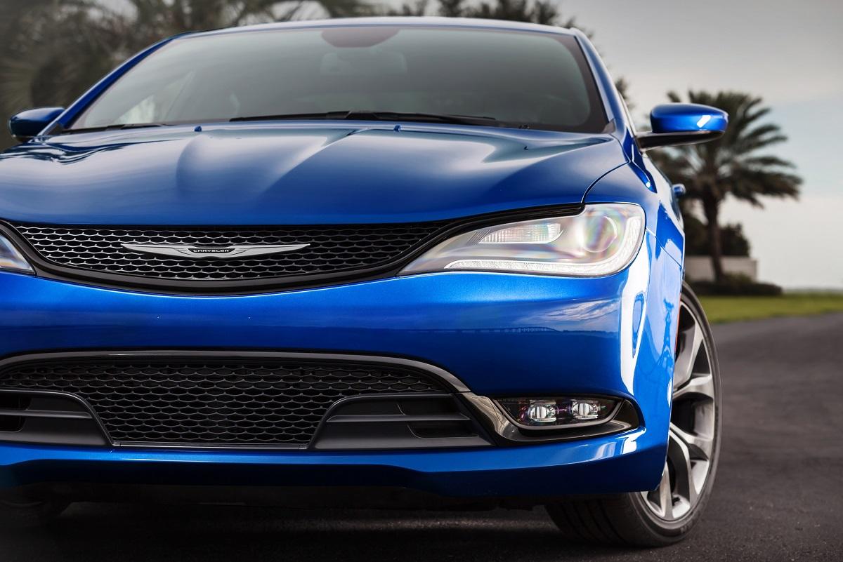 Chrysler 200: Parking Brake