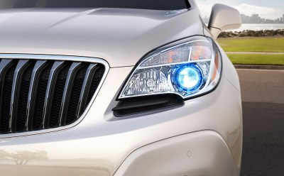 2016 Buick Encore blue-accented projector beam headlamp