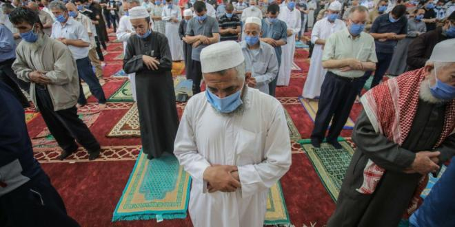 هل سيتم فتح مساجد القطاع للصلاة بعد قرار رام الله؟