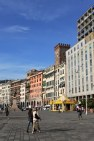 Porto Antico'ya bakan Aldo Moro caddesi Cenova'nın Kordon'u.