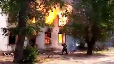 В Балаково пожарные 6 часов тушили заброшенный клопятник