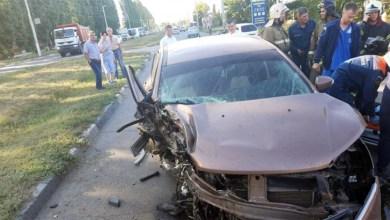 ДТП на Трнавской водитель Lada XRAY врезался в столб