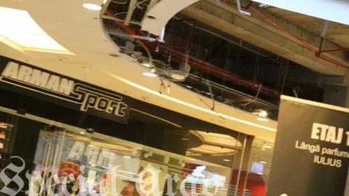 arad:-tavanul-unui-centru-comercial-s-a-prabusit.-incidentul-ar-fi-fost-musamalizat-(video)