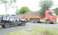 Polícia prende motorista que tentava vender caminhão e carga de empresa que trabalhava