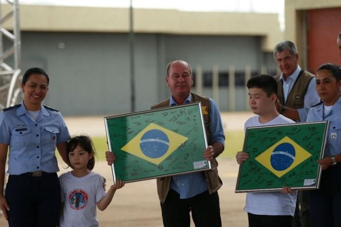 Brasileiros deixam quarentena na Base Aérea de Anápolis. Foto: Marcello Casal Jr/Agência Brasil