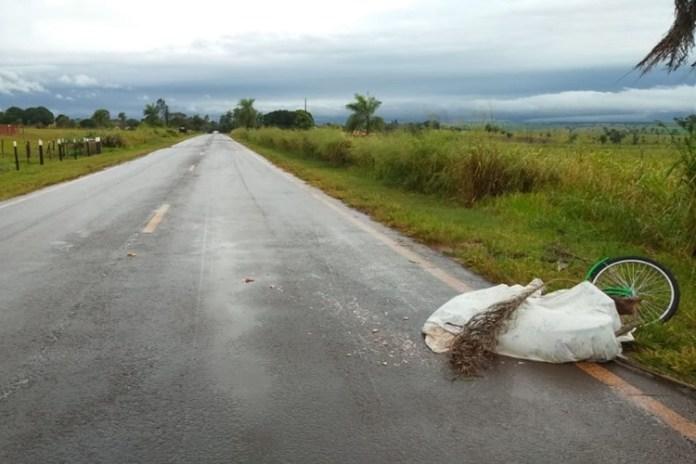 Ciclista morreu no local. Foto: Reprodução