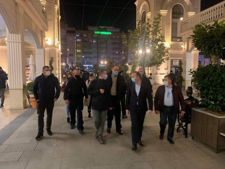 """Aksion në orët e vonë në """"Abi Çarshia"""", Zemaj me policinë dhe inspektorët"""