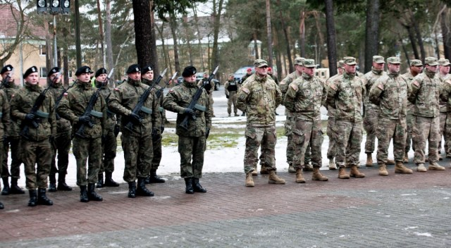 Znalezione obrazy dla zapytania wojsko amerykanskie w powidzu zdjecia