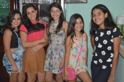ANA CLARA E AS AMIGAS ANTÔNIA LUIZA, ANA KAREN, AMANDA SÁ E ANA CLARICE