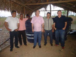 Hildo Rocha entrega trator para Associação do Povoado Coquinho (Gov Luiz Rocha)