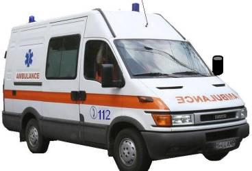 Șofer electrocutat după ce a intrat cu autocarul într-un stâlp pe DN1
