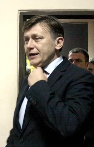Venit la Ploieşti să facă pace între liberalii prahoveni, Crin Antonescu i-a mulţumit lui Adrian Semcu