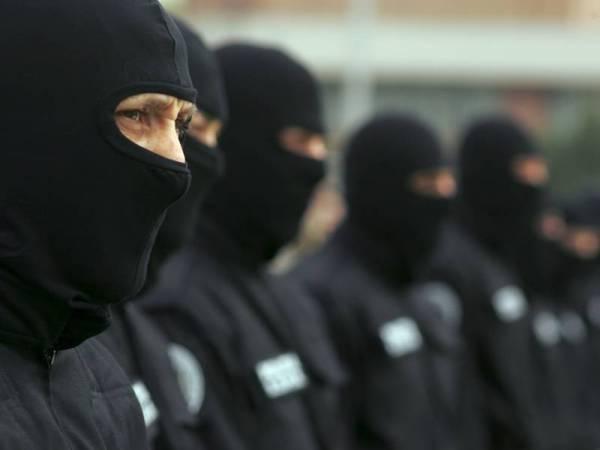 Percheziţii în Câmpina, Băicoi, Plopeni, Floreşti la suspecţi de furturi din locuinţe