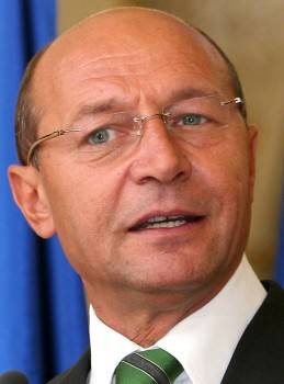 Băsescu: România trebuie să se împrumute cu 16 miliarde de Euro în 2012